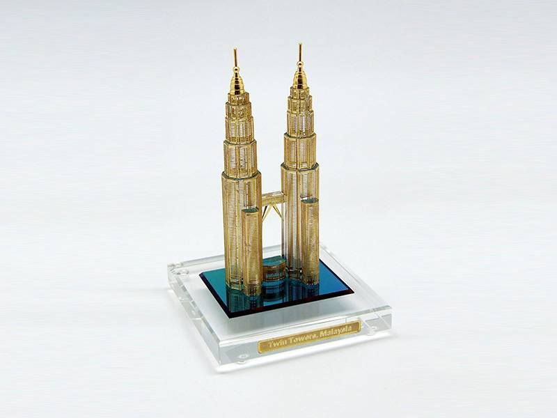 News - Twin Towers Design - Crystal Awards Supplier